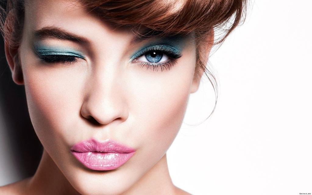 Makeup of the day - Παιχνιδιάρικο μακιγιάζ με γαλάζιο