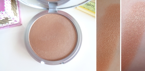 theBalm BETTY-LOU MANIZER swatch