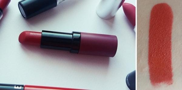 κόκκινα κραγιόν για τα Χριστούγεννα - Golden Rose Velvet Matte lipstick 18