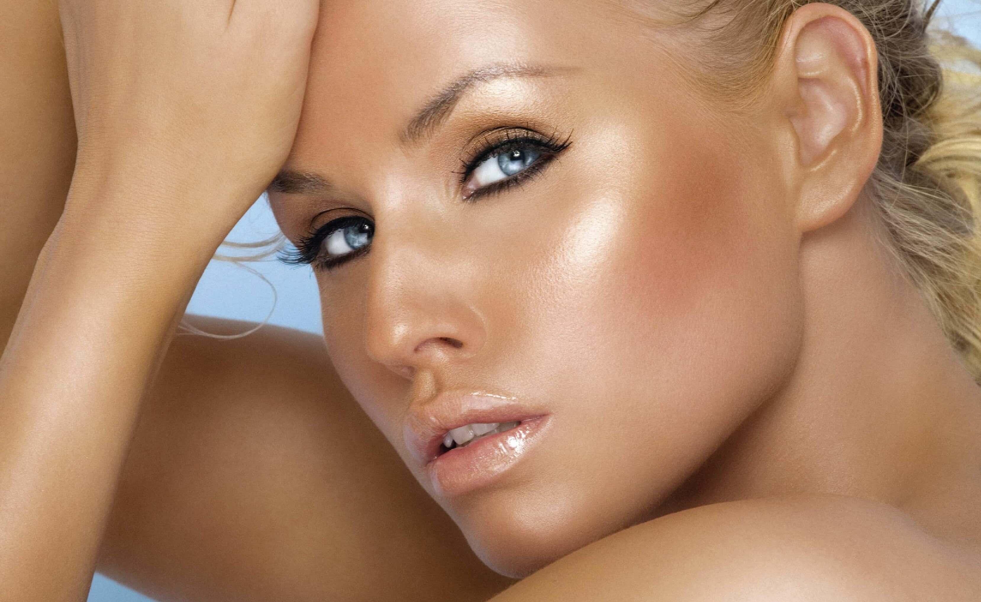 Bronze Μακιγιάζ για το καλοκαίρι. Makeup Trends