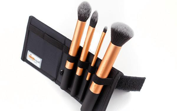 real-techniques-core-collection-makeup-brushes-stand-side-view2