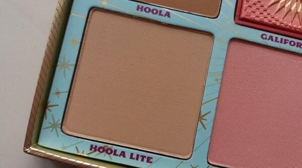 Cheek Parade. Hoola lite bronzer swatch